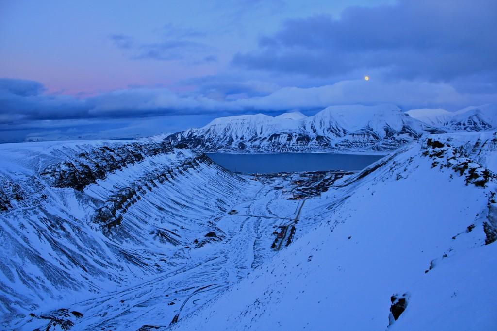 longyearbyen noc polarna